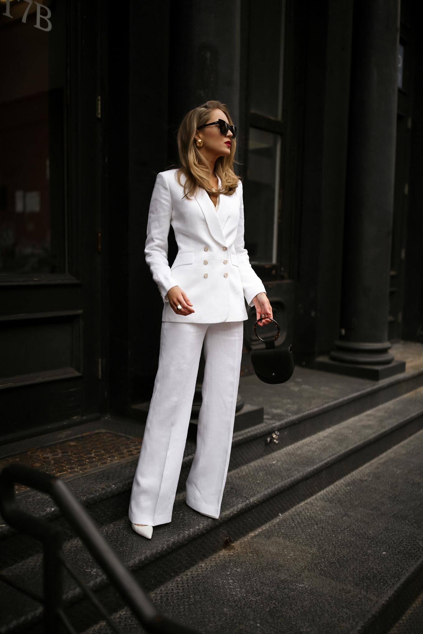 theory-white-linen-suit-double-breasted-jacket-wide-leg-pants-classic-summer-work-wear-professional-women-style-3-680x1020@2x
