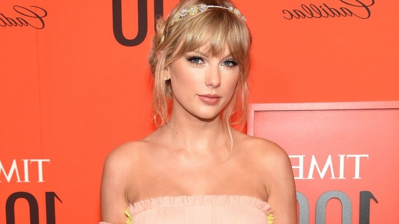 taylor-swift-is-picture-perfect-in-pastel-gown-at-time-100-gala-pics__604511_